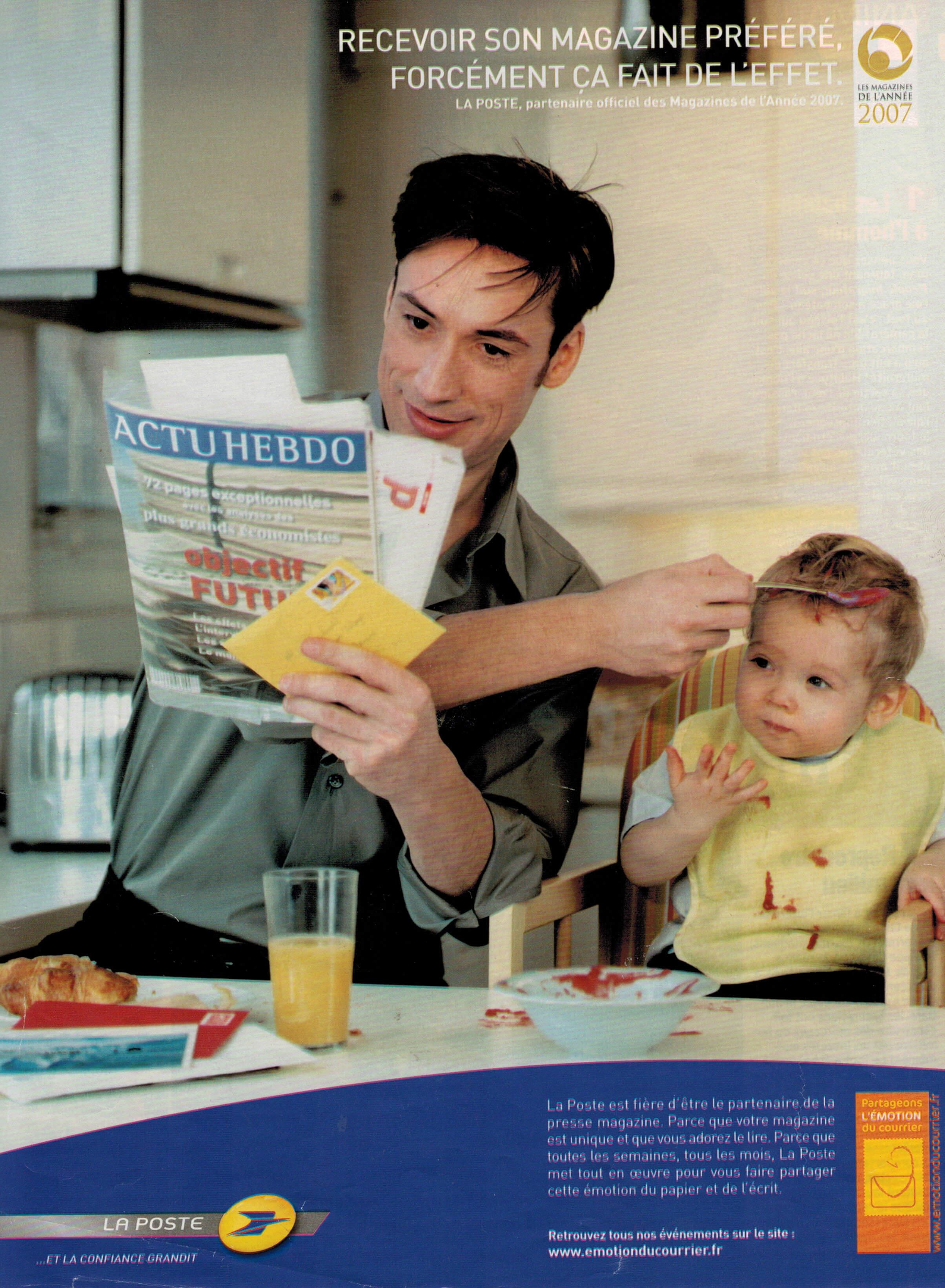 homme-avec-enfant-distrait